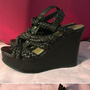 Shoes - Madden girl brown wedges